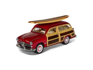 Modellbil 1:40 Ford Woody Wagon Surf